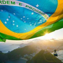 A necessidade do brasileiro de ser adorado em outros países